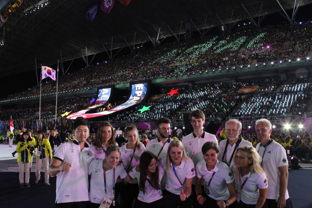 Taekwondo-Team im Stadion