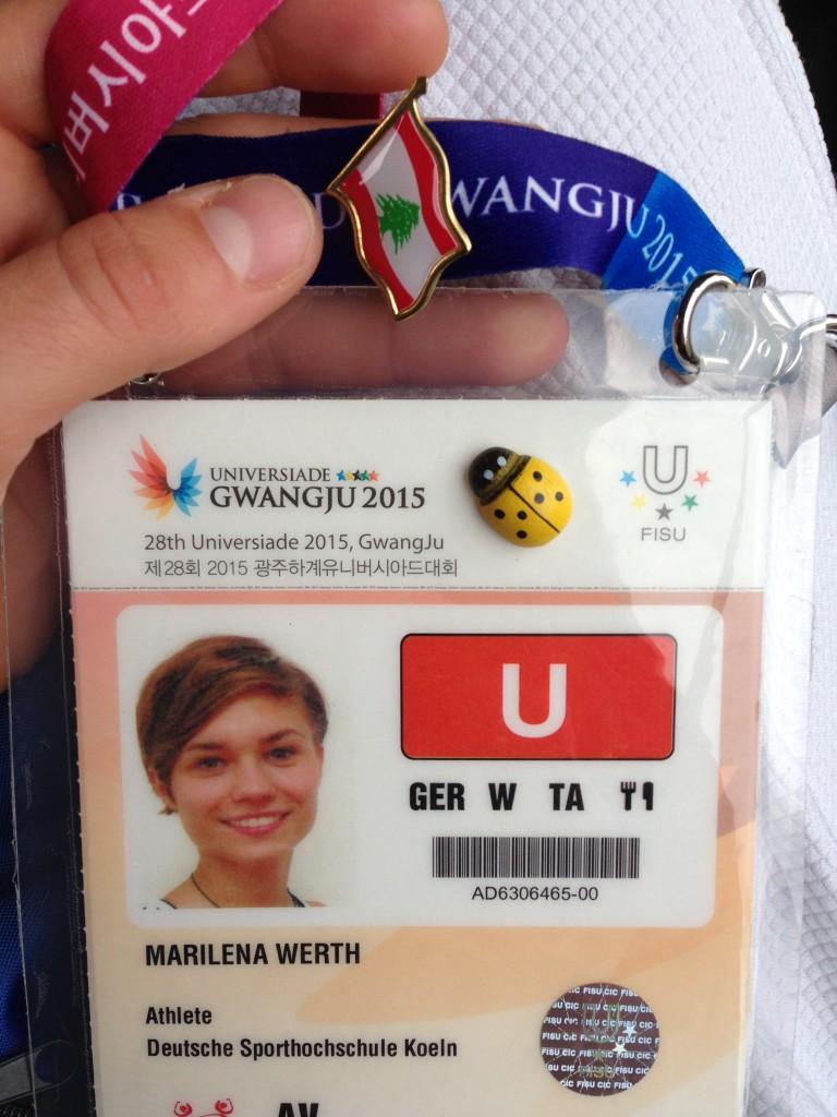 ID Card mit Marienkäfer-Glücksbringer und libanesischem Pin