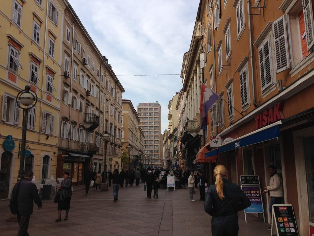 """Das sogenannte """"Wohnzimmer"""", die Hauptstraße"""