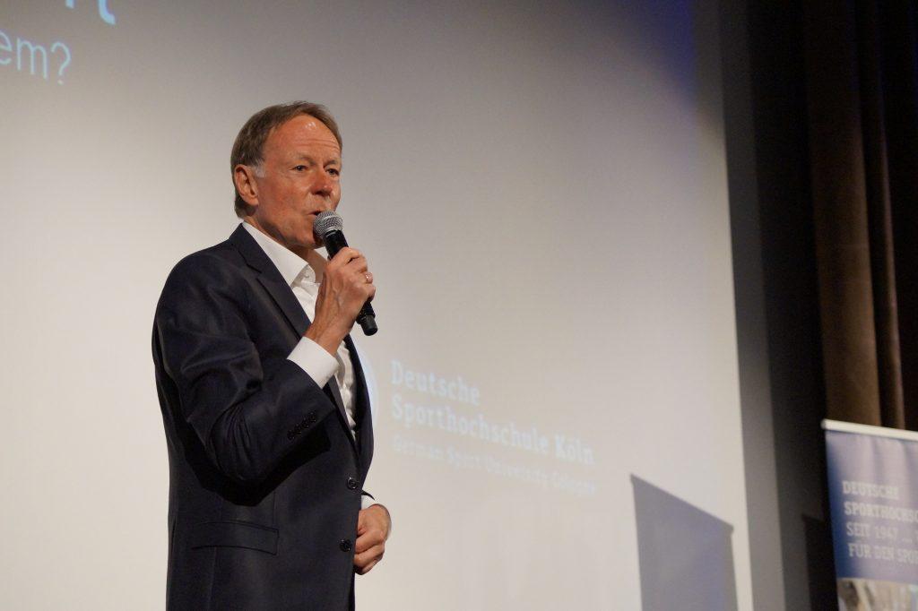 Erhielt die Bronzene Ehrenmedaille der DSHS: Moderator Wolf-Dieter Poschmann